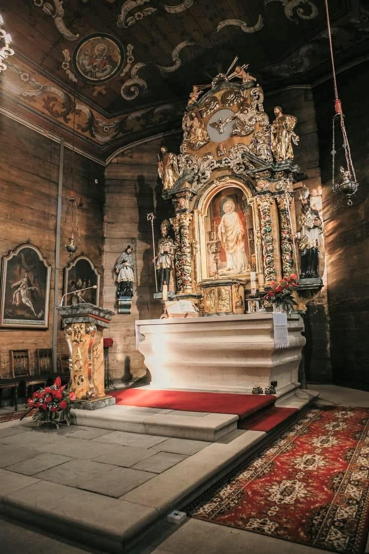 Ołtarz główny w kościele św. Walentego w Bieruniu