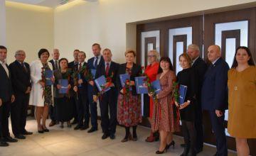 Starosta wraz z laureatami nagrody